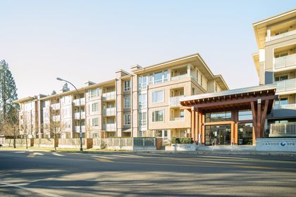 002 at 116 - 2665 Mountain Highway, Lynn Valley, North Vancouver