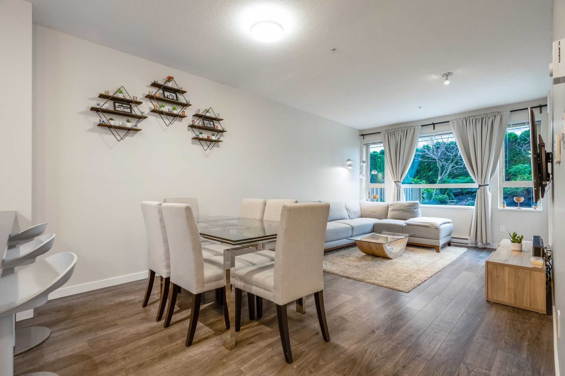 012 at 116 - 2665 Mountain Highway, Lynn Valley, North Vancouver