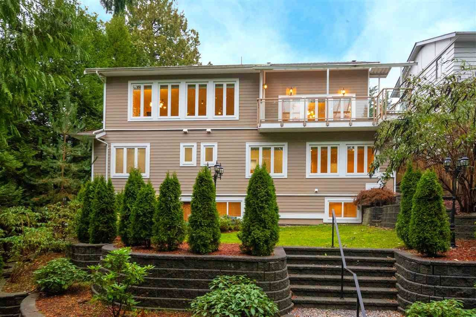 1041 Prospect Avenue, Canyon Heights NV, North Vancouver