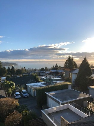 12 at 1110 Queens Avenue, British Properties, West Vancouver