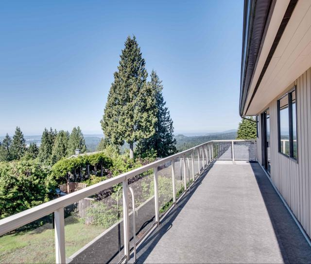 175 E Braemar Road, Upper Lonsdale, North Vancouver 2