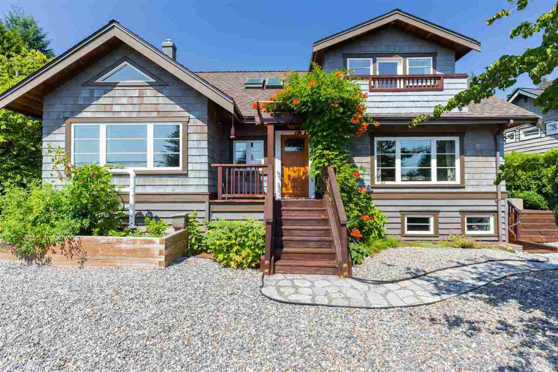 204 E Braemar Road, Upper Lonsdale, North Vancouver