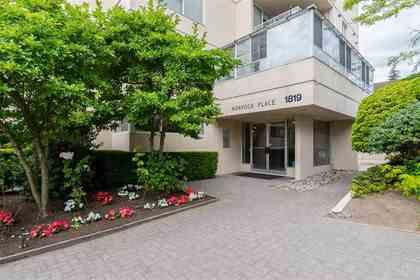 1819-bellevue-avenue-ambleside-west-vancouver-02 at 200 - 1819 Bellevue Avenue, Ambleside, West Vancouver