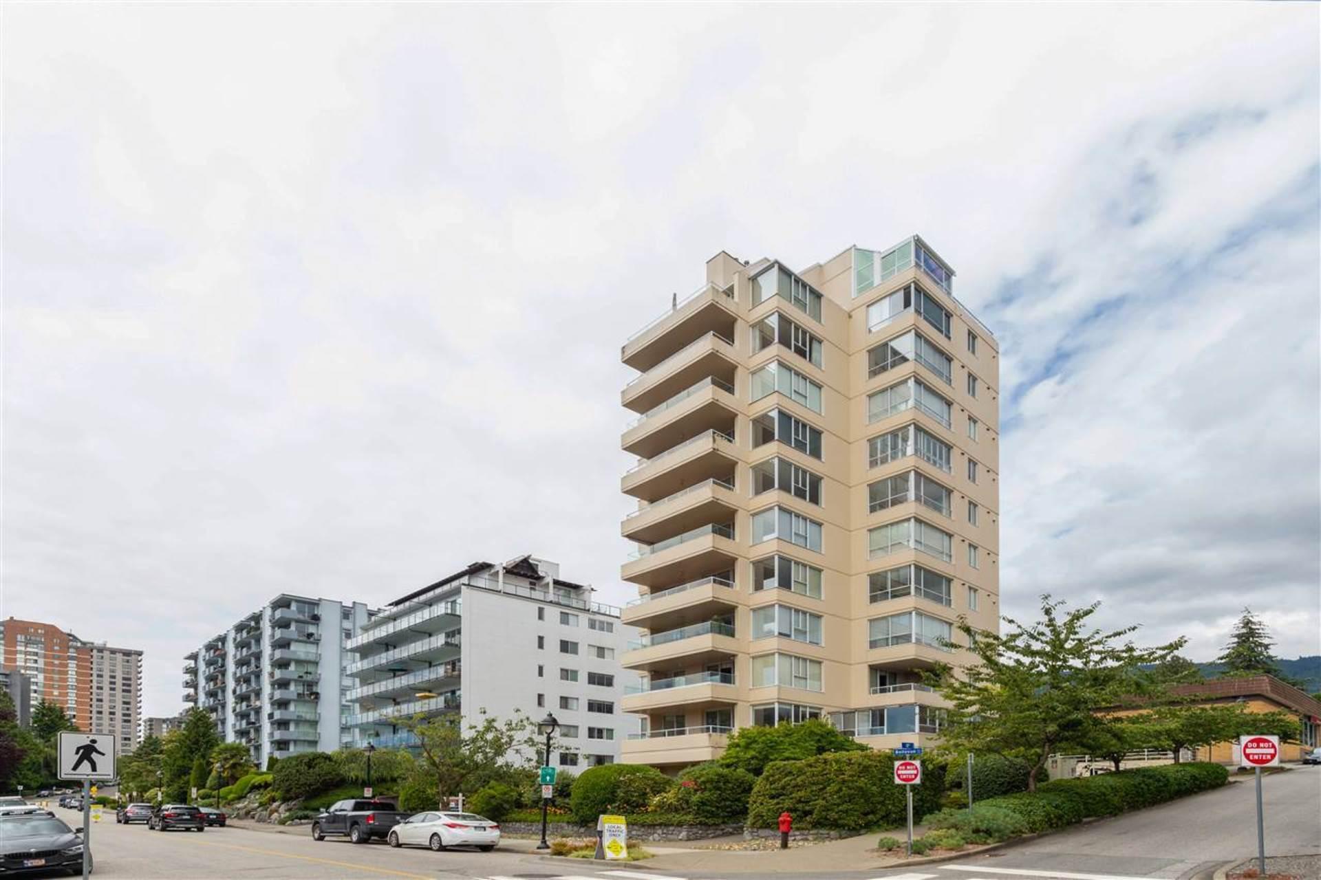 200 - 1819 Bellevue Avenue, Ambleside, West Vancouver
