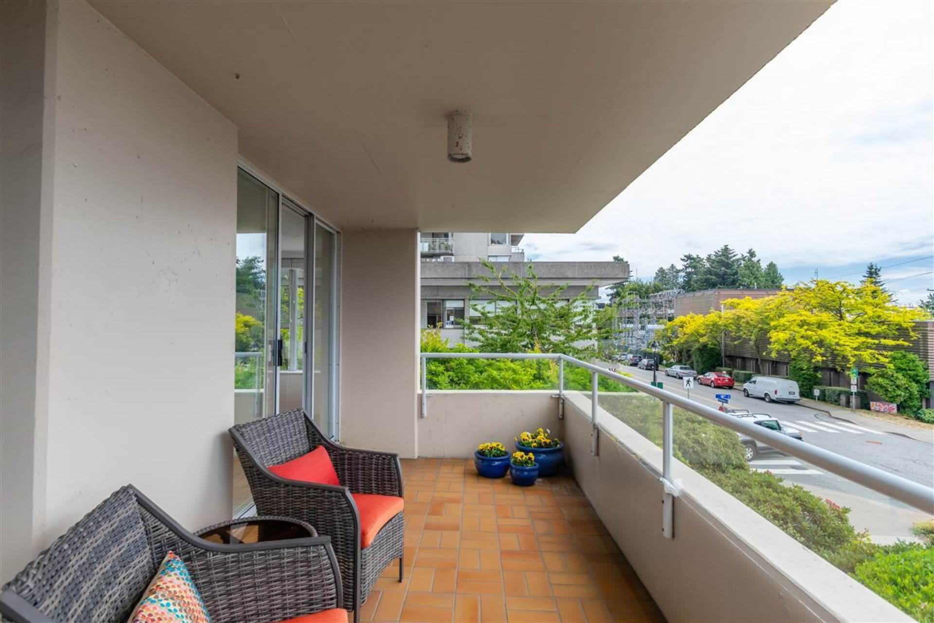 1819-bellevue-avenue-ambleside-west-vancouver-14 at 200 - 1819 Bellevue Avenue, Ambleside, West Vancouver