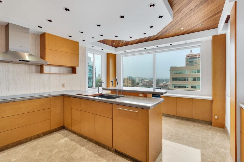 1235-w-broadway-street-fairview-vw-vancouver-west-08 at