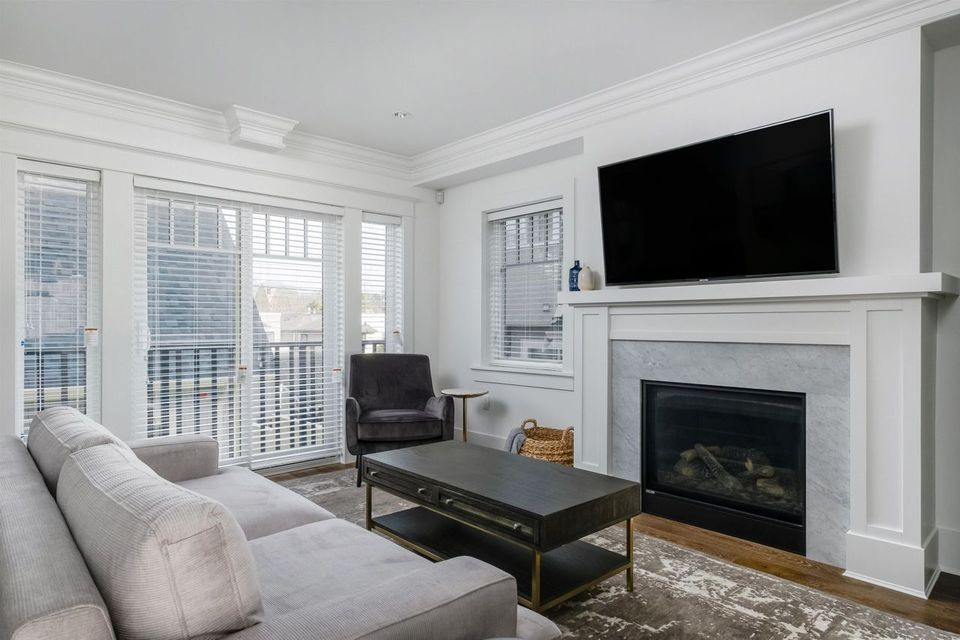 1775-w-16th-avenue-fairview-vw-vancouver-west-04 at