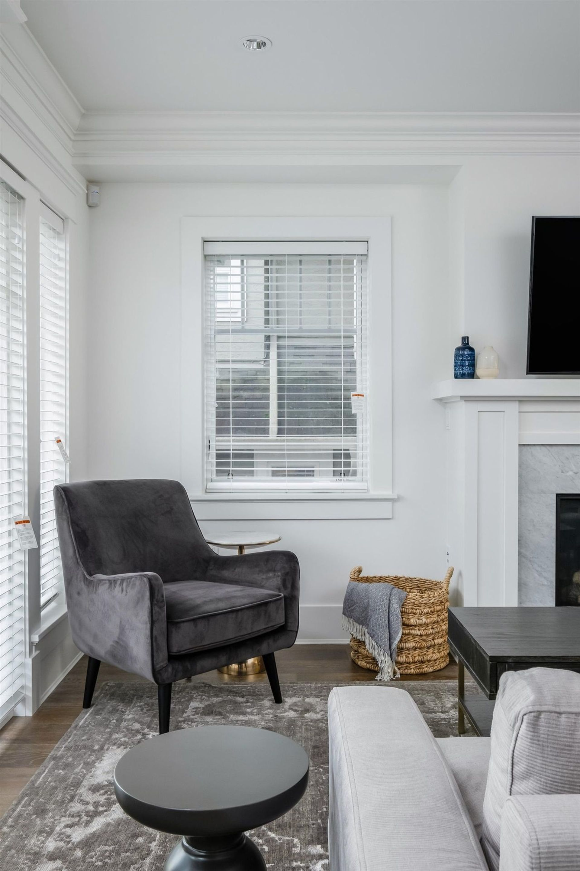 1775-w-16th-avenue-fairview-vw-vancouver-west-07 at