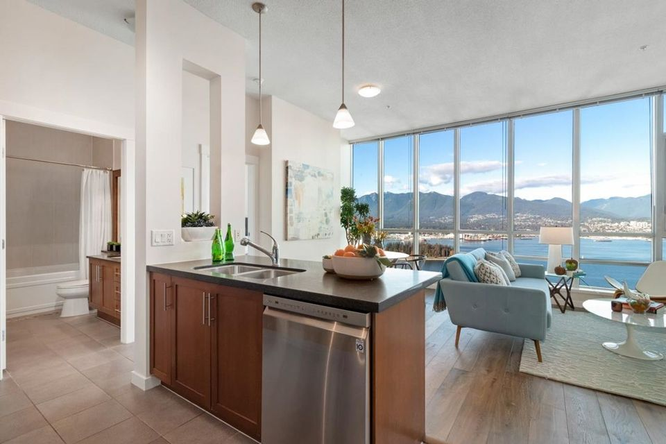 1189-melville-street-coal-harbour-vancouver-west-02 at