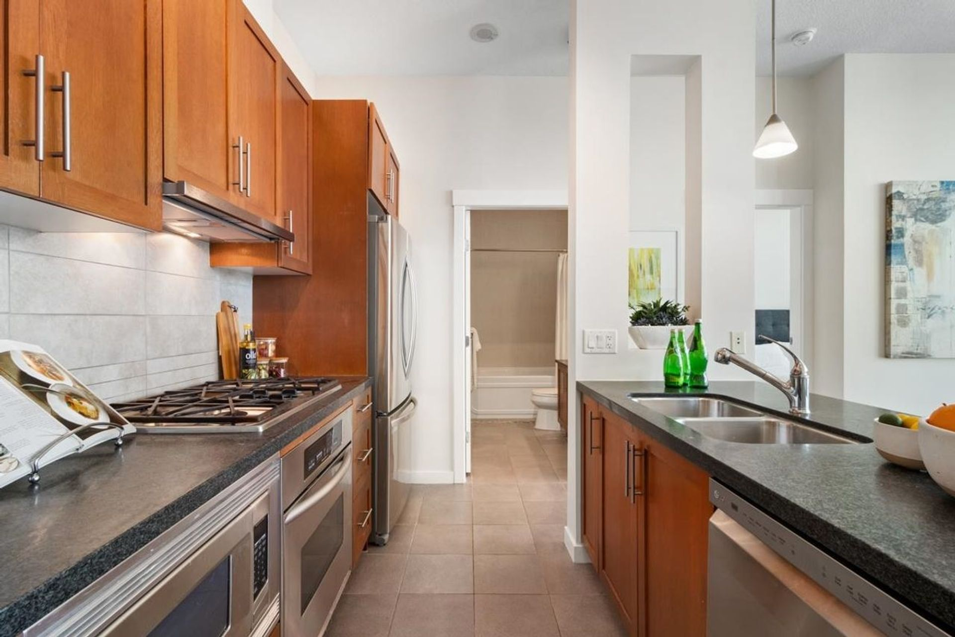 1189-melville-street-coal-harbour-vancouver-west-03 at