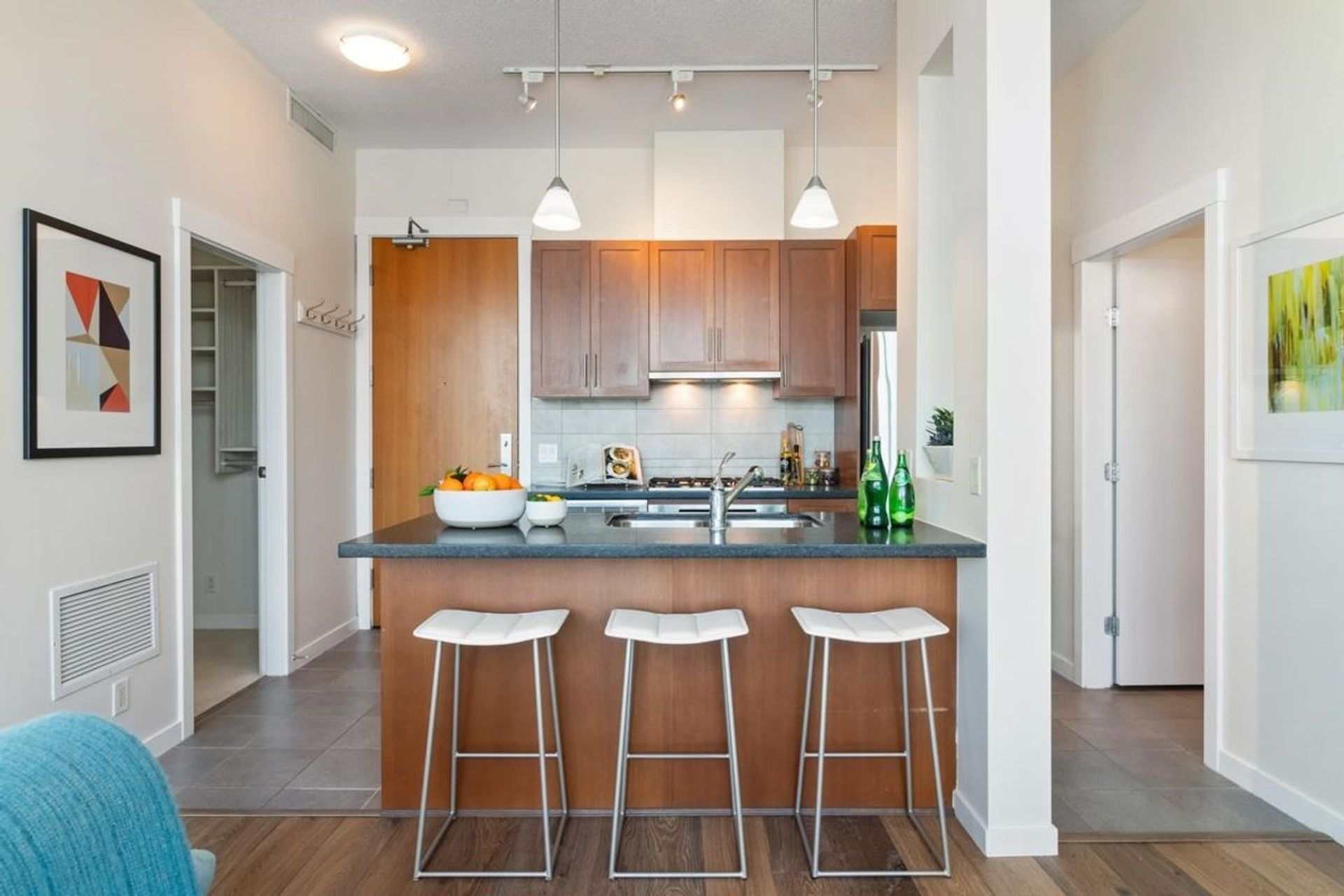 1189-melville-street-coal-harbour-vancouver-west-05 at