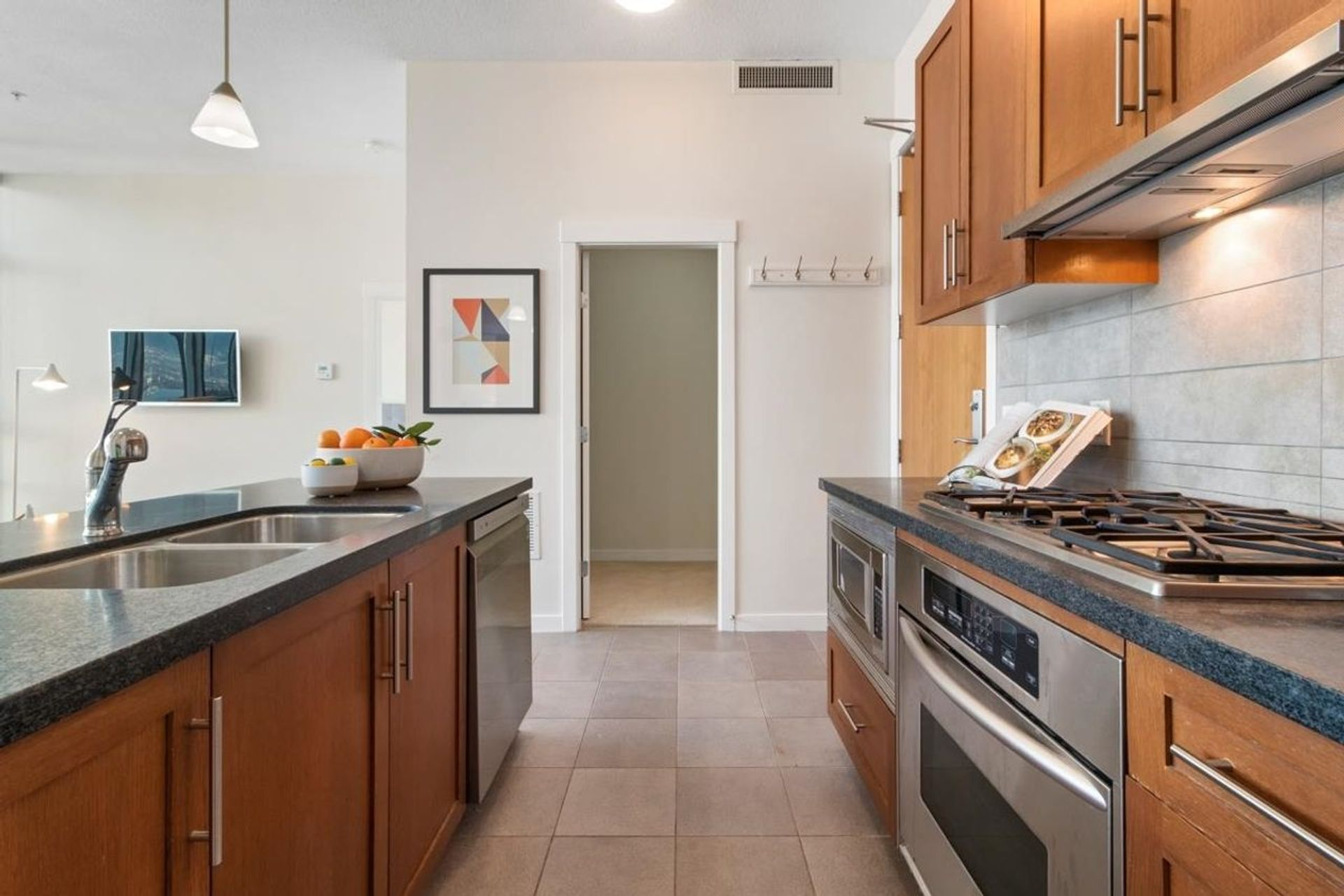 1189-melville-street-coal-harbour-vancouver-west-07 at