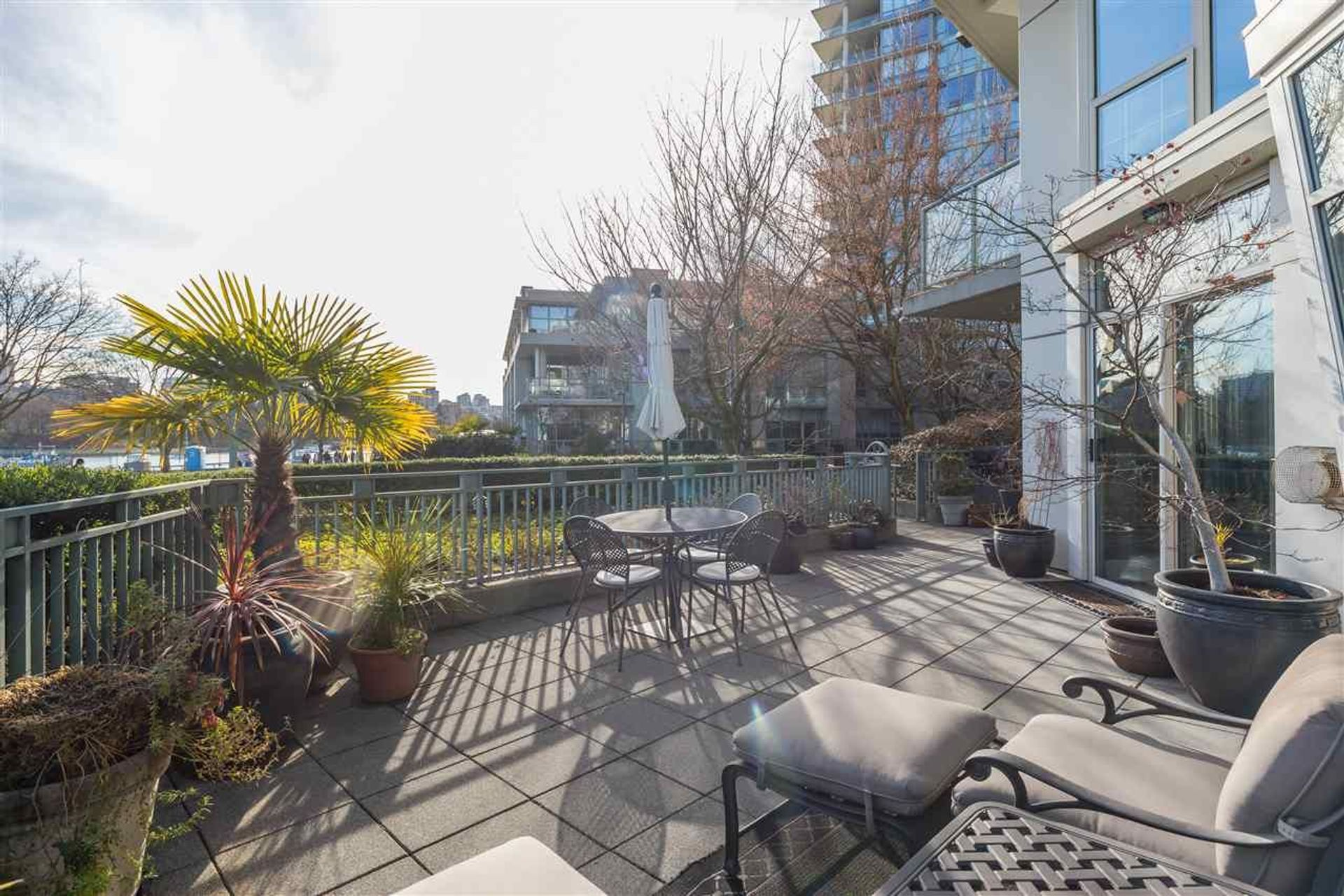 1288-marinaside-crescent-yaletown-vancouver-west-02