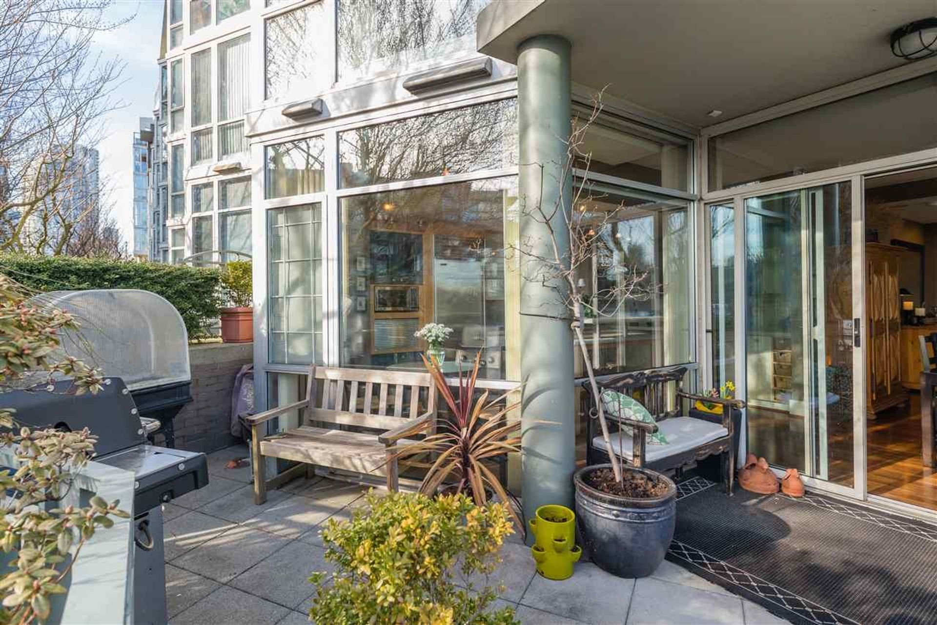 1288-marinaside-crescent-yaletown-vancouver-west-06