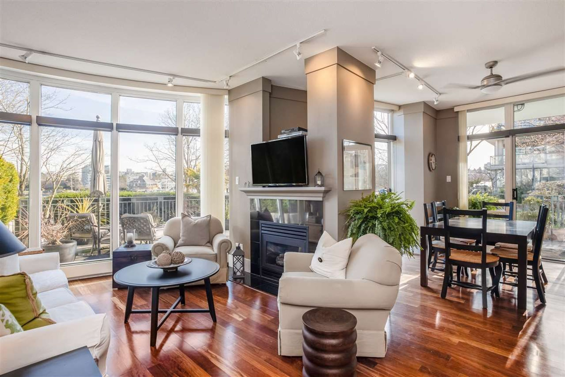 1288-marinaside-crescent-yaletown-vancouver-west-09