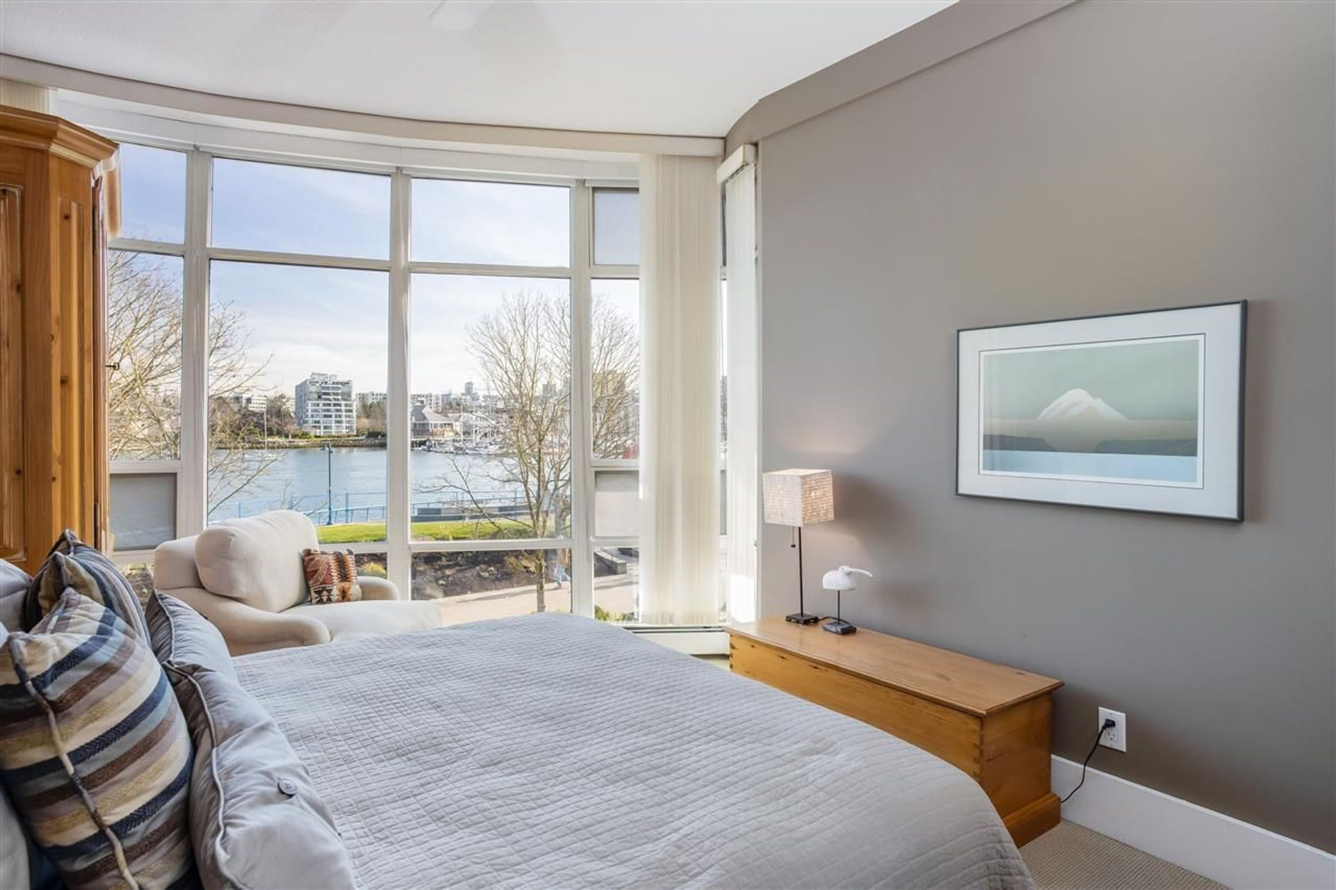1288-marinaside-crescent-yaletown-vancouver-west-24