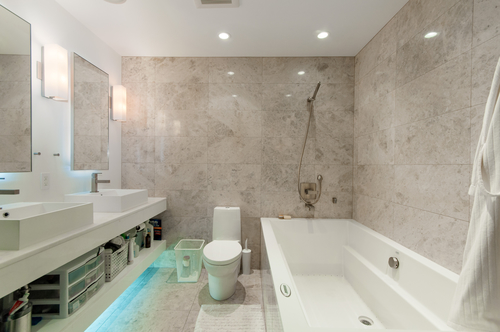 Ensuite bath at 844 West 13th Avenue, Fairview VW, Vancouver West