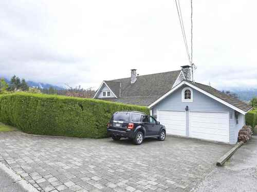 900-roslyn-boulevard-dollarton-north-vancouver-38 at 900 Roslyn Boulevard, Dollarton, North Vancouver
