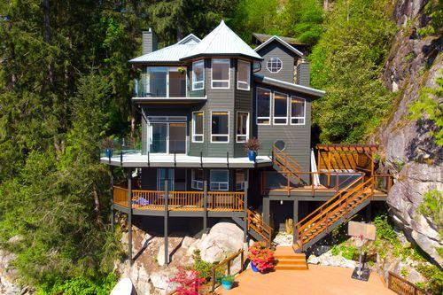 002 at 5786 Sunshine Falls Lane, Woodlands-Sunshine-Cascade, North Vancouver