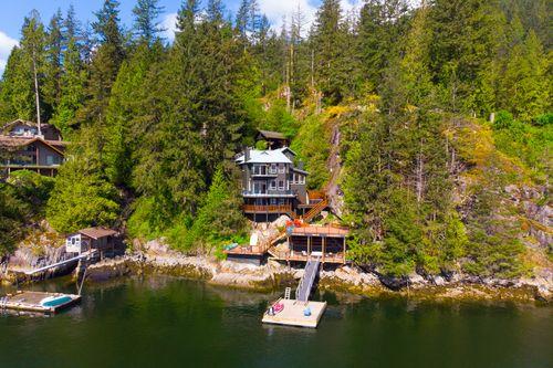 064 at 5786 Sunshine Falls Lane, Woodlands-Sunshine-Cascade, North Vancouver