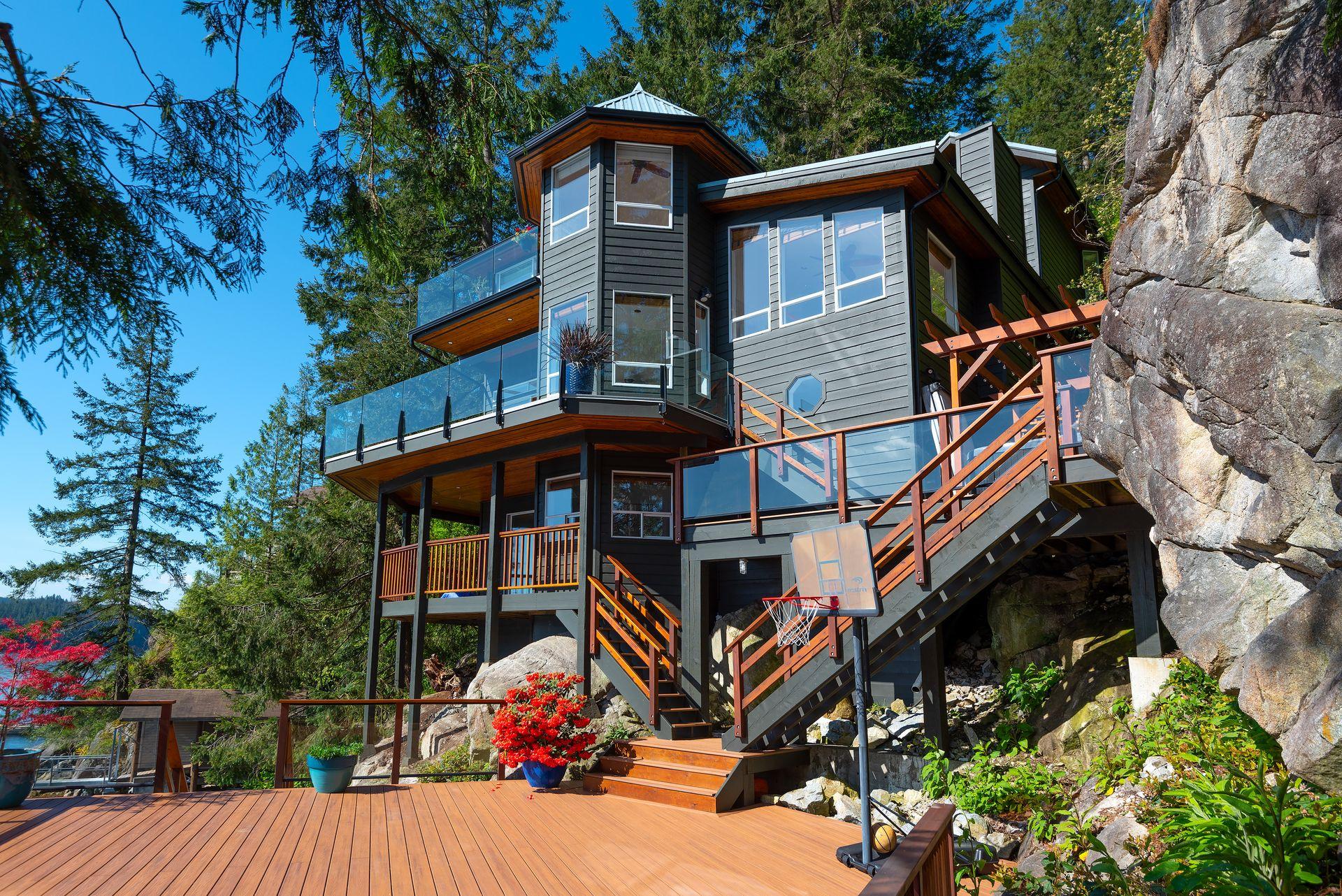 5786 Sunshine Falls Lane, Woodlands-Sunshine-Cascade, North Vancouver
