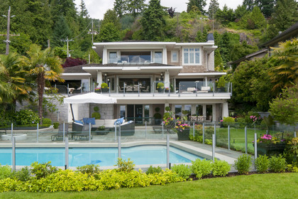 0002 at 3480 Mathers Avenue, West Bay, West Vancouver