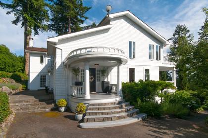 front door at 2967 Marine Drive, Altamont, West Vancouver