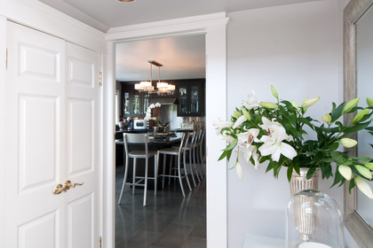 to the kitchen at 2967 Marine Drive, Altamont, West Vancouver