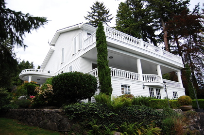 exterior front at 2967 Marine Drive, Altamont, West Vancouver