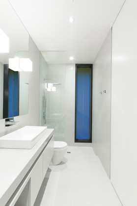 ensuite bathroom at 1071 Groveland Road, British Properties, West Vancouver