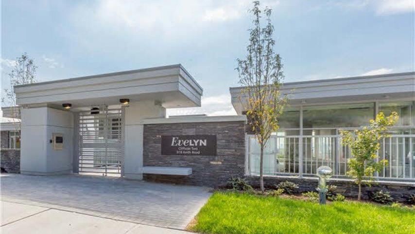 301 - 918 Keith Road, Park Royal, West Vancouver