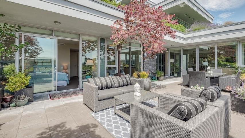 301 - 918 Keith Road, Park Royal, West Vancouver 2