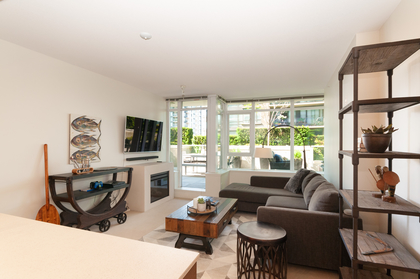 004 at 305 - 175 W 2nd Avenue, Lower Lonsdale, North Vancouver