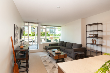 006 at 305 - 175 W 2nd Avenue, Lower Lonsdale, North Vancouver