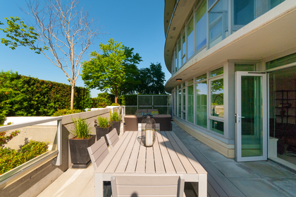 013 at 305 - 175 W 2nd Avenue, Lower Lonsdale, North Vancouver