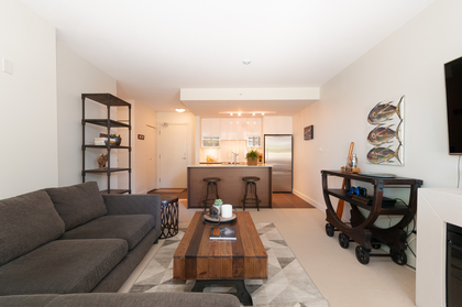 018 at 305 - 175 W 2nd Avenue, Lower Lonsdale, North Vancouver