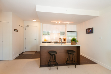 019 at 305 - 175 W 2nd Avenue, Lower Lonsdale, North Vancouver