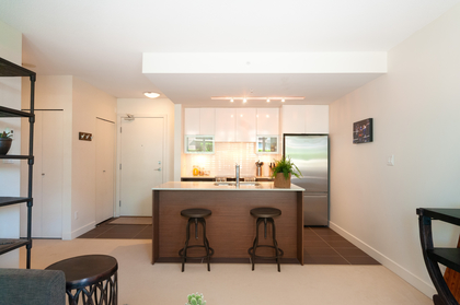 020 at 305 - 175 W 2nd Avenue, Lower Lonsdale, North Vancouver