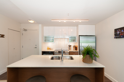 024 at 305 - 175 W 2nd Avenue, Lower Lonsdale, North Vancouver
