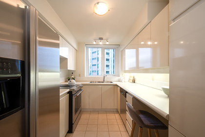 021 at 601 - 2280 Bellevue Avenue, Dundarave, West Vancouver