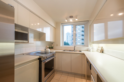 022 at 601 - 2280 Bellevue Avenue, Dundarave, West Vancouver