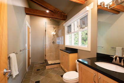 main floor bathroom  at 2475 Palmerston Avenue, Dundarave, West Vancouver