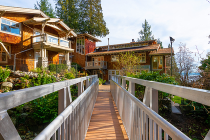 footbridge at 2475 Palmerston Avenue, Dundarave, West Vancouver