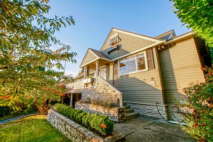 2677-lawson-avenue-west-vancouver-4 at 2677 Lawson Avenue, Dundarave, West Vancouver