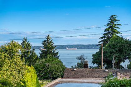 2526-marine-dr-25 at 2526 Marine Drive, Dundarave, West Vancouver