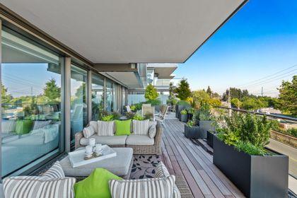 bellevue-patio-13 at 203 - 1327 Bellevue Avenue, Ambleside, West Vancouver