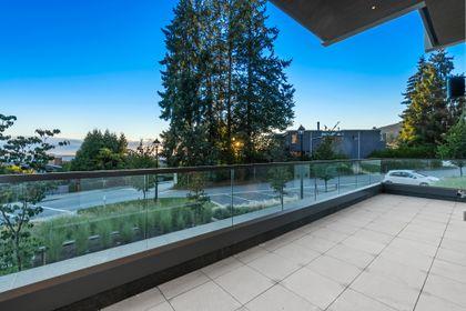 2389-bellevue-ave-29 at TH2 - 2289 Bellevue Avenue, Dundarave, West Vancouver