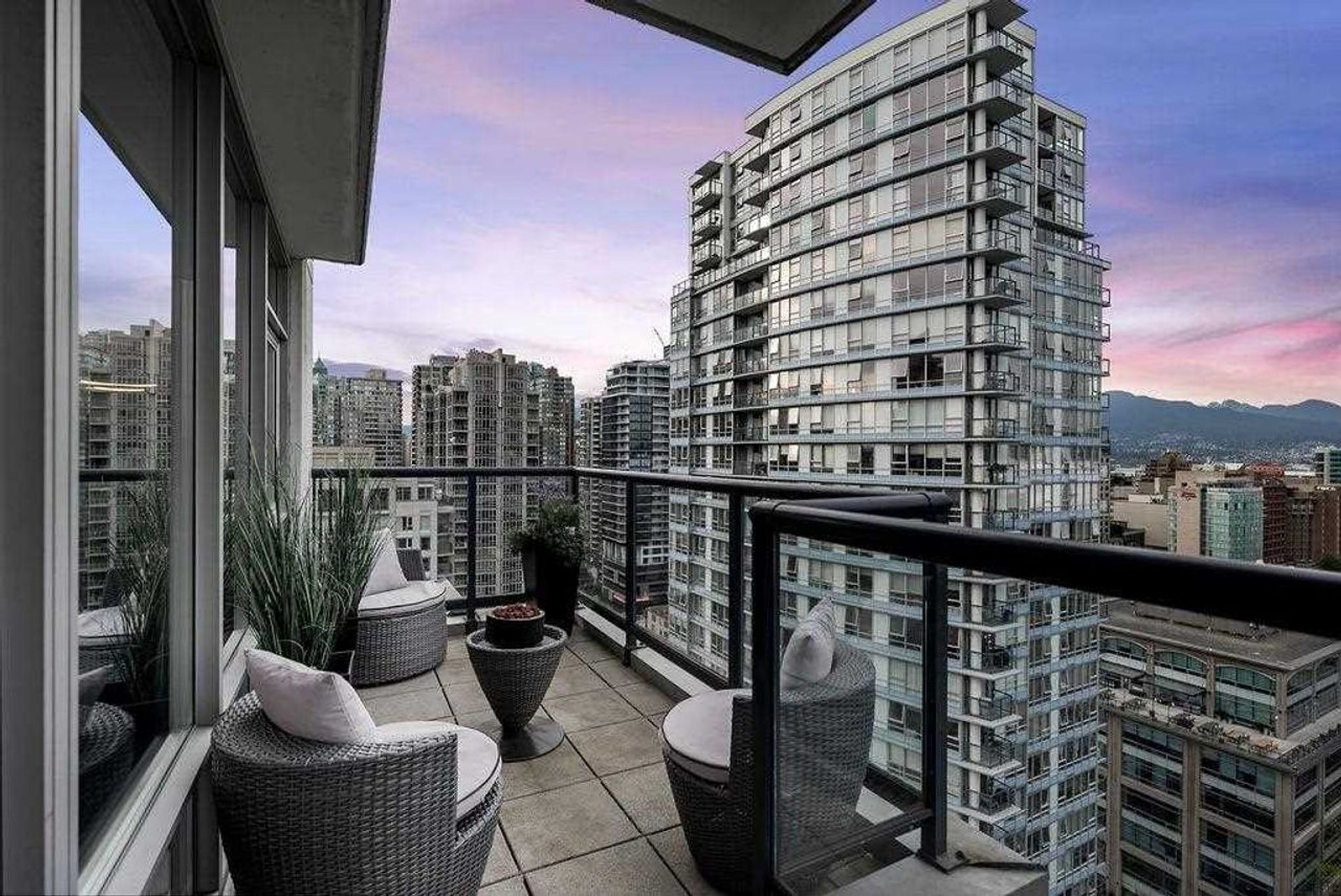 939-expo-boulevard-yaletown-vancouver-west-12 at 2706 - 939 Expo Boulevard, Yaletown, Vancouver West