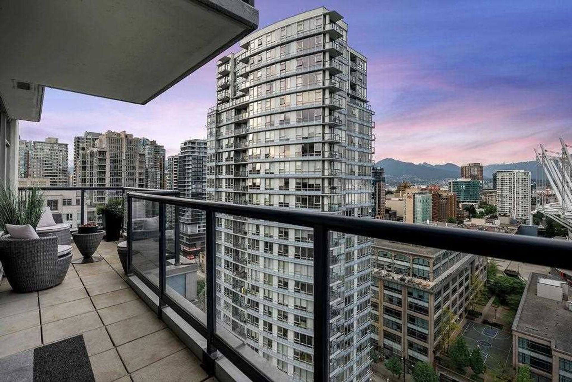 939-expo-boulevard-yaletown-vancouver-west-15 at 2706 - 939 Expo Boulevard, Yaletown, Vancouver West