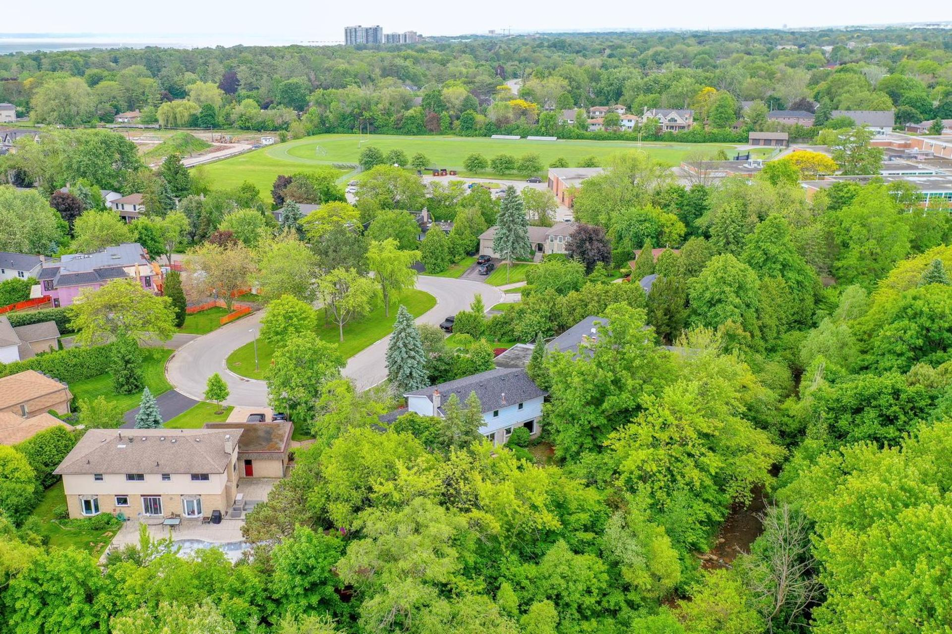 Aerial View of Property & Cul de sac at 243 Willowridge Court, Bronte East, Oakville
